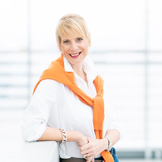 Dr. Sabine Viktoria Schneider